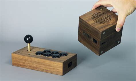 Retro Console System Brings Together The Best Of The 20th Century by Zette Retro Gaming System Cool Material