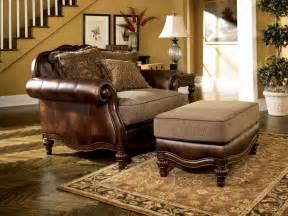Claremore Antique Living Room Set Claremore Antique World Sofa Marjen Of Chicago Chicago Discount Furniture