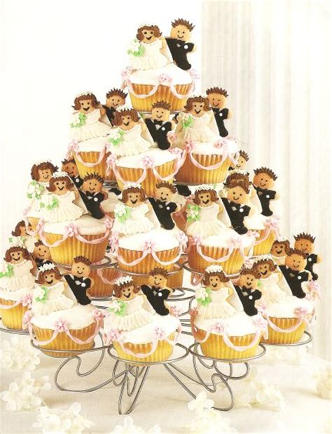 bridal shower cupcake ideas and groom cupcakes bridal shower cakes
