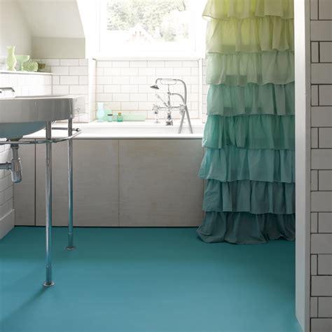 bathroom flooring ideas uk jak tanio odnowi艸 niemodn艱 蛯azienk苹 dom wp pl