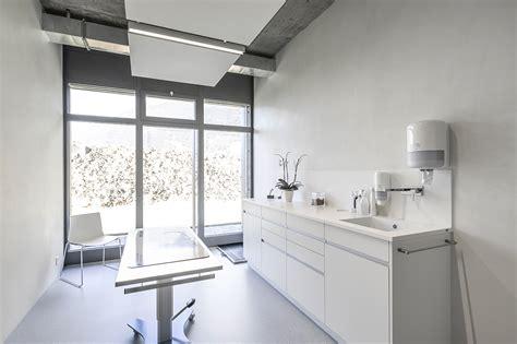 Small Office Interior Design Veterinary Clinic Masans Domenig Architekten Archdaily