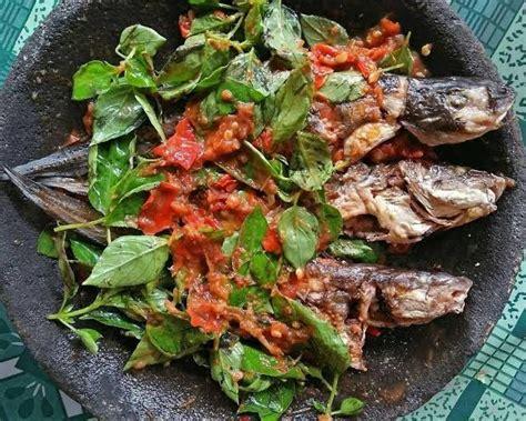 indonesianfoodcultures lele bakar sambal kemangi resep ikan makanan indonesia  resep