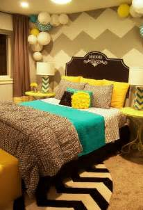 Teal And Grey Bedding Zeeland Grey Yellow Amp Turquoise S Room