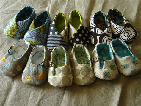 Handmade Baby Shoes Pattern - easy sewing and patterns for handmade baby gifts dear