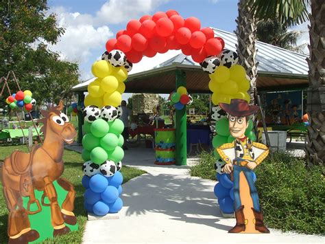 toy story themes party toy story balloons show as slideshow gavin s 5th