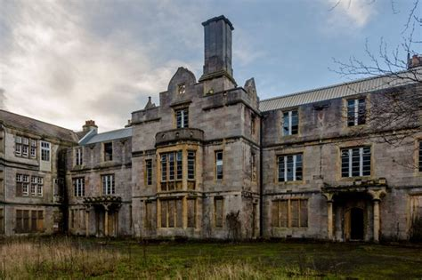 Sedlling D Apylum stately homes struggle to sell after months on the market wales