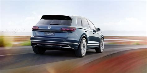 Future Volkswagen Models by Volkswagen 2017 Touareg Beijing Show Vw Plugs In With T