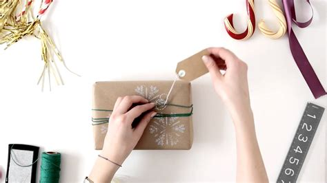 present wrapping tips 3 easy gift wrap ideas 3 easy diy gift wrapping ideas attachment diy craft