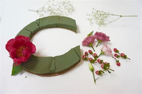 fiori per decorare fai da te le lettere decorative con i fiori zigzagmom