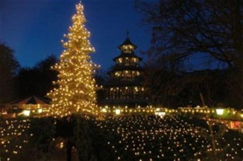 Englischer Garten München Chinesischer Turm öffnungszeiten by Weihnachtsmarkt Am Chinesischen Turm Der M 252 Nchen