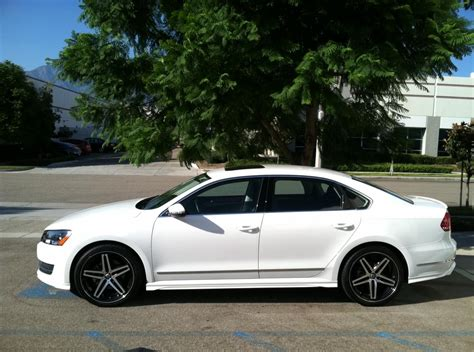 Volkswagen Passat 2012 With Rims Image 185