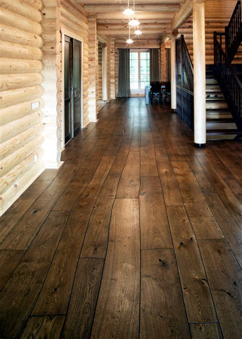 Floorboards of Bolefloor ? Abnormally curved solid wood