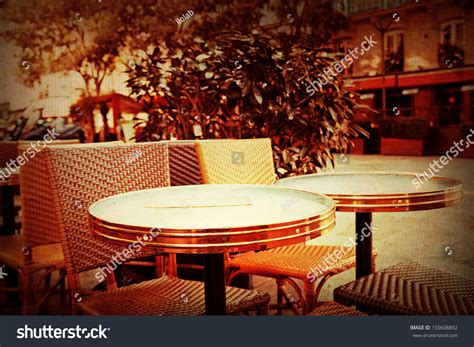 oldfashioned coffee terrace tables chairsparis