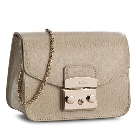 Furla Metropolis Mini Creta handbag furla metropolis 884888 b bgz7 are creta clutch bags handbags www efootwear eu