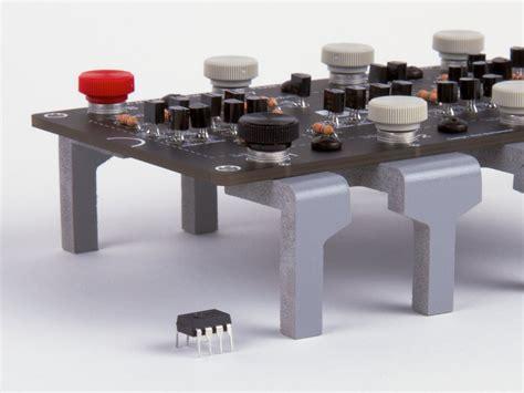 integrated circuit ne555 the three fives kit a discrete 555 timer