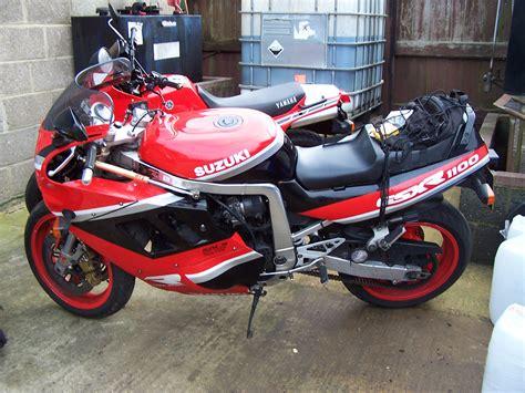 1990 Suzuki Gsxr 1100 1990 Suzuki Gsx R 1100 Pics Specs And Information