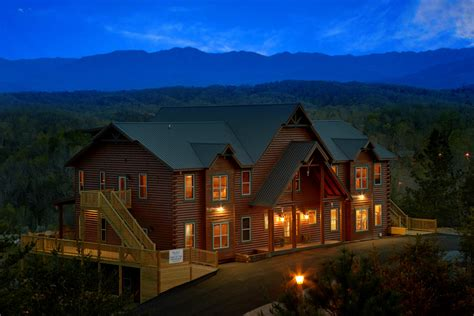 Cing Cabin Rentals by 18 Bedroom Sleeps 84 The King Of The Mountain By Large