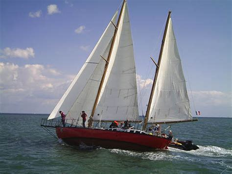 sailing boat joshua bernard moitessier un vagabondo dei mari del sud report