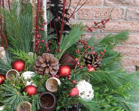 ideas  outdoor christmas pots diy