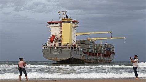 abc el saler el saler los barcos varados en el saler podr 237 an ser reflotados el