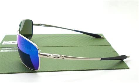 Oakley Crosshair 2 0 Silver Brown crosshair 2 0 silver lens blue