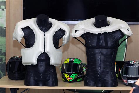 Test Motorrad Airbag Weste by The Wearable Airbag For Motorcyclists Just Got Even Safer