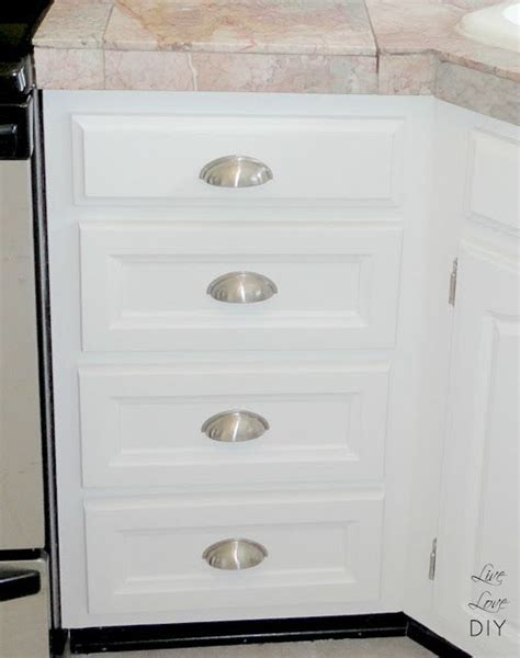 steps to painting cabinets livelovediy how to paint kitchen cabinets in 10 easy