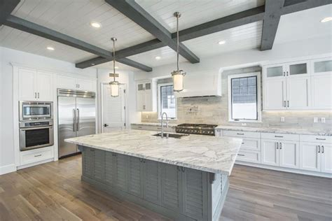 20 gorgeous kitchens with islands messagenote 20 incredible kitchen island designs page 4 of 4