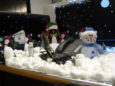 christmas desk ideas epic cubicles shoplet