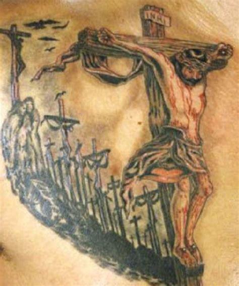 tattoo jesus kreuz rücken die besten 25 jesus am kreuz tattoo ideen auf pinterest