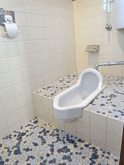 desain kamar mandi dengan toilet jongkok desain terbaru kamar mandi minimalis dengan kloset jongkok