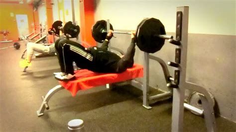 bench press 5x5 4w bench press 54 years 286lbs 130kg 5x5 system