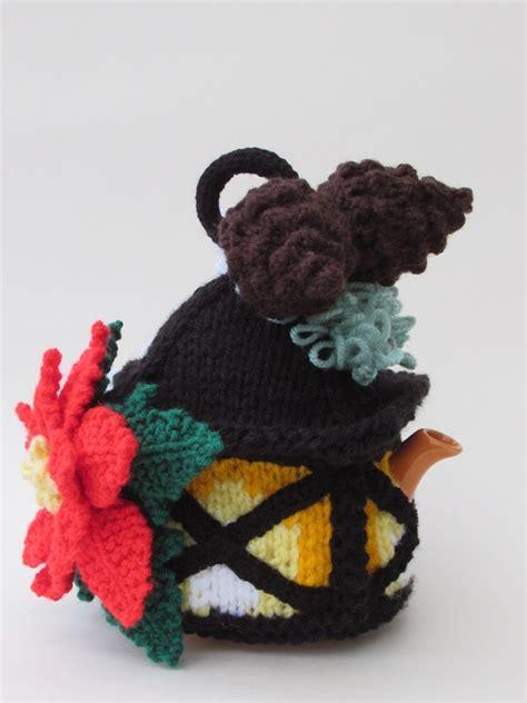 pattern for christmas lantern christmas lantern tea cosy knitting pattern