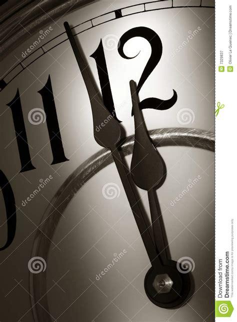stroke  midnight   clock  dramatic light royalty