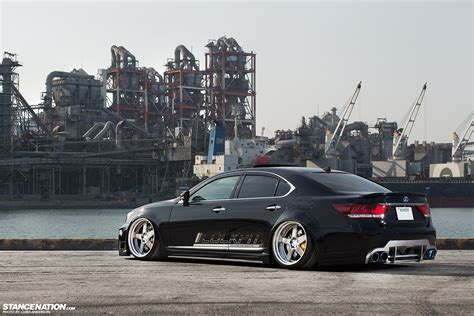 vip lexus check out these vip lexus ls 460 twins autoevolution