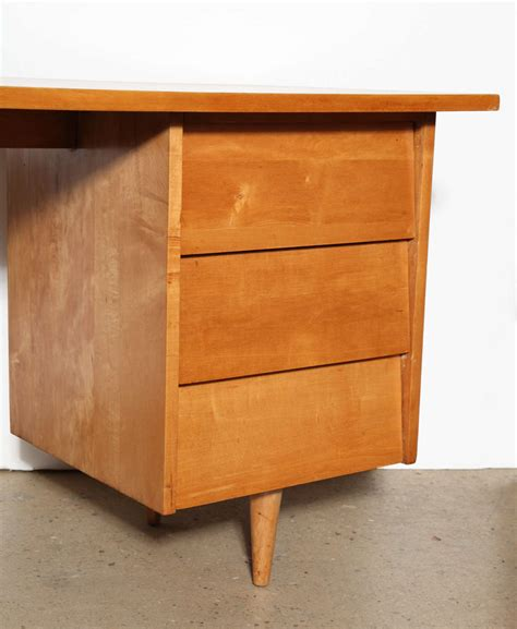 Florence Knoll Maple Desk At 1stdibs Maple Desk