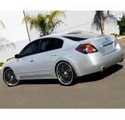 Lexani LSS11 Black/Machined W/Chrome Lip Wheels On Nissan Altima