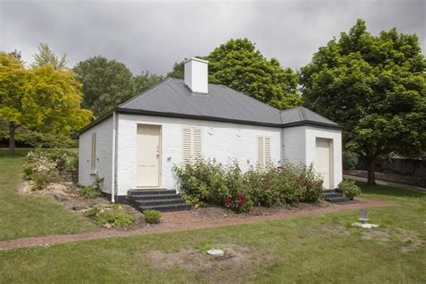 Semaphore Cottage princes park in bobby s footsteps battery point history walk hobart tasmania