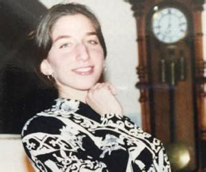 chelsea peretti popstar catherine zeta jones biography childhood life