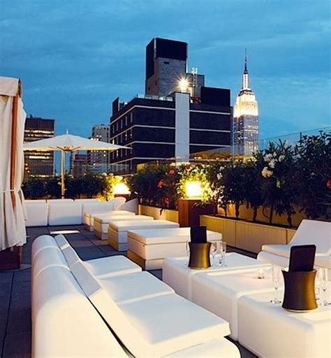 Sky Room New York Ny by Sky Room Calls Itself New York City S Highest Rooftop