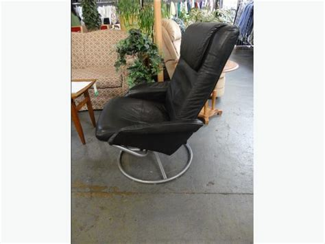 ikea malung swivel armchair win 610 ikea malung swivel leather chair office victoria city victoria mobile