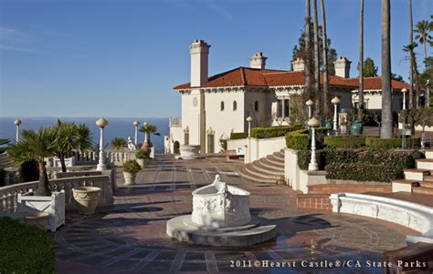 Cottage Open Floor Plan by Home Hearst Castle