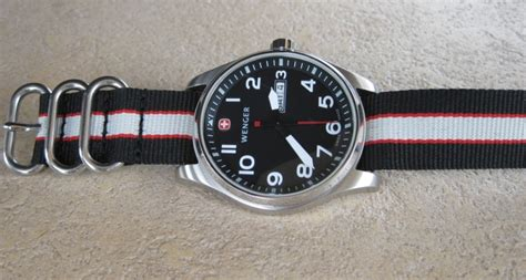 Swiss Army 73400 Black White victorinox swiss army watches