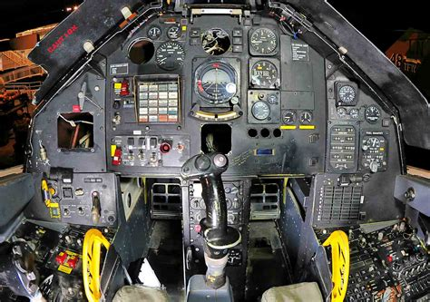 Attack Aircraft Cockpits, F-117 cockpit | Military Machine F 117 Stealth Fighter Cockpit