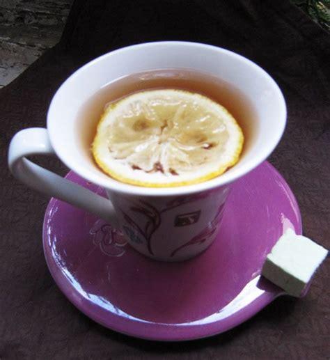 Lemon Honey Tea Detox by Best 25 Honey Lemon Water Ideas On Honey