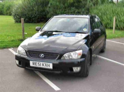 lexus car 2001 lexus 2001 is200 se black car for sale