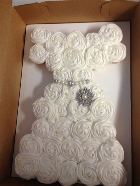 pull apart cupcake cake for bridal shower 17 best images about cake decorating on