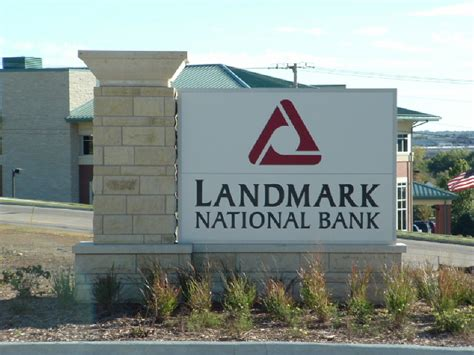 landmark national bank dodge city ks monument signs