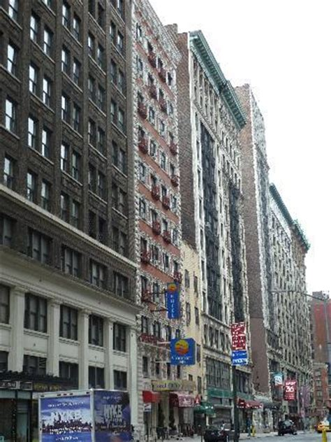 comfort inn in new york city la vista dalla finestra picture of heritage hotel new