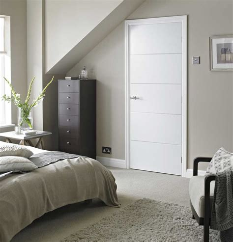 white bedroom door horizontal 4 lines smooth white primed door